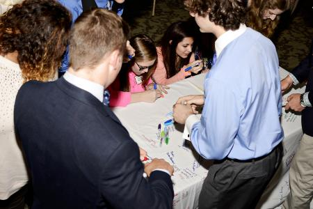 Cloth_Signing_2015